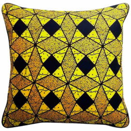 La-Petite-Congolaise-Gilles-AWVB14-Wax-print-pillow-01 Lo-res