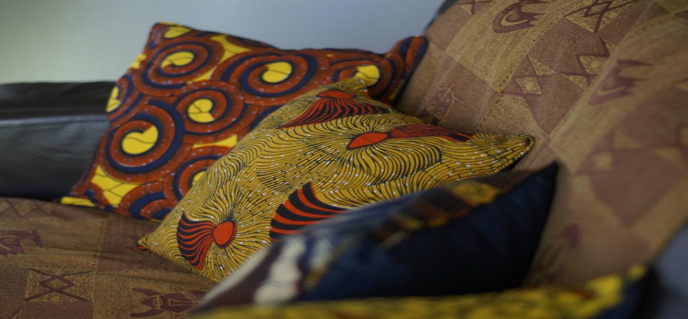 La-Petite-Congolaise-Juno-Vanessa-Christophe-Janine-African-print-and-denim-pillows-01